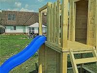 Hřiště pro děti - pronájem chaty Ohařice