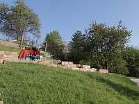 V Hradu - pronájem chalupy Rovensko pod Troskami
