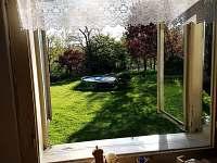 pohled do zahrady - chalupa k pronájmu Libošovice - Malá Lhota