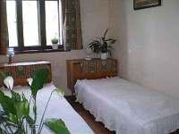 Pokoj 2 lůžka - chalupa k pronajmutí Hrdoňovice pod Troskami
