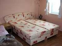 ložnice - chalupa k pronájmu Radimovice