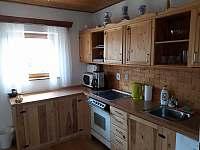 kuchyň v apartmánu Stav