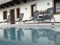 Termální bazén, 30C po celý rok i v lednu.