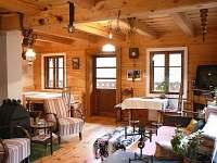 obývák a jídelní kout - pronájem chalupy Malá Skála