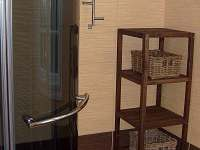 koupelna v přízemí se sprchovým koutem