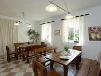 Společenská místnost - apartmán k pronájmu Ktová