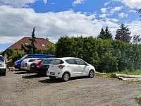 parkoviště - pronájem apartmánu Sedmihorky
