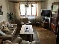 Rovensko pod Troskami - rodinný dům k pronájmu - 11