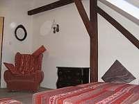 1. podkrovní apartmán pro 4 osoby - pronájem chalupy Uhlíře