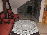 1. podkrovní apartmán pro 4 osoby - chalupa ubytování Uhlíře