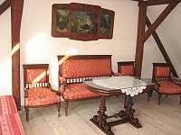 1. podkrovní apartmán pro 4 osoby - chalupa k pronájmu Uhlíře