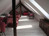3. podkrovní apartmán pro 8 osob - pronájem chalupy Uhlíře