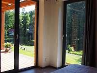 Apardo chata č.2 výhled z ložnice - k pronájmu Libuň - Březka