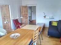 Jídelna apartmán Kopretinka