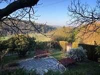 výhled na Dolánky - pronájem chaty Bukovina