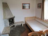 Společenská místnost - chata k pronajmutí Dřevěnice