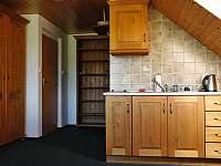 Kuchyňský kout s vybavením na vaření - pronájem chalupy Chuchelna - Lhota