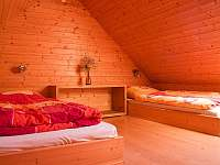 Ložnice se 4 lůžky - chalupa ubytování Chuchelna - Lhota