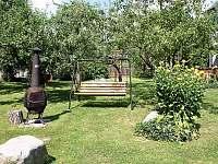 zahrada u apartmánů