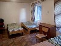 Pokoj V3 - chata k pronájmu Pařezská Lhota