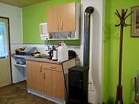 Pokoj V3 kuchyňský kout - pronájem chaty Pařezská Lhota