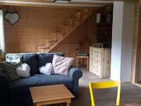 Obývací pokoj - chata k pronajmutí Malá Skála