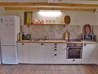 Plně vybavená kuchyň - chata k pronájmu Malá Skála