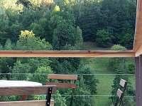 Výhled z terasy - chata k pronájmu Malá Skála