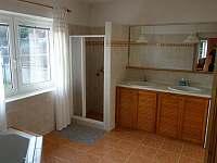 koupelna přízemí - chalupa ubytování Blata