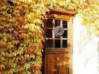 vchod do domu - chalupa k pronájmu Blata