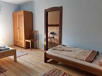 pětilůžkový pokoj 1.patro - apartmán k pronajmutí Radvánovice