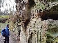 skalní reliéfy