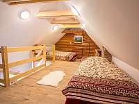 Ložnice (A2) Manželská postel 1x Jednolůžko 1x