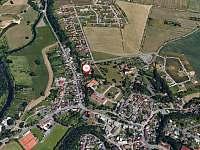 Pohled na umístění z ptačí perspektivy - Mnichovo Hradiště