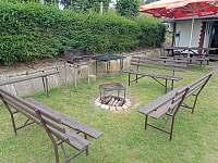 Společné ohniště - chata ubytování Branžež