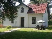 Chalupa č.p. 30 s posezením - k pronájmu Karlovice část Svatoňovice