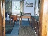 Pohled do kuchyně v č.p. 2 část A - chalupa k pronájmu Karlovice část Svatoňovice