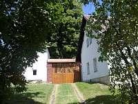 Příjezdová cesta - chalupa ubytování Karlovice část Svatoňovice