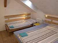 druhá ložnice pro 3 v apartmánu do zahrady - Turnov
