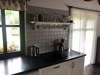 Vybavení kuchyně - chalupa k pronájmu Pařezská Lhota