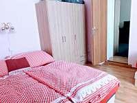 ložnice 2.apt lze oddělit od 1.apt - Pařezská Lhota