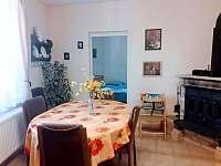 velká jídelna s rozkládacím stolem1.apt - pronájem chalupy Pařezská Lhota