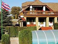 zastřešený bazén a chalupa - Pařezská Lhota