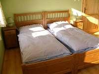 ložnice - chalupa k pronájmu Troskovice
