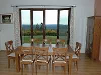 obývací pokoj s výhledem - pronájem chalupy Troskovice