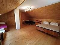 horní ložnice č.1 - chalupa k pronajmutí Brada