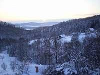 pohled z terasy - chata k pronájmu Kyje