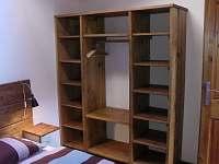 Ložnice1 - apartmán k pronájmu Libunec