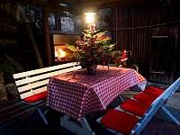Pergola ve vánočním - chalupa k pronajmutí Branžež