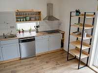 Pohled z chodby do kuchyně - Osek u Sobotky